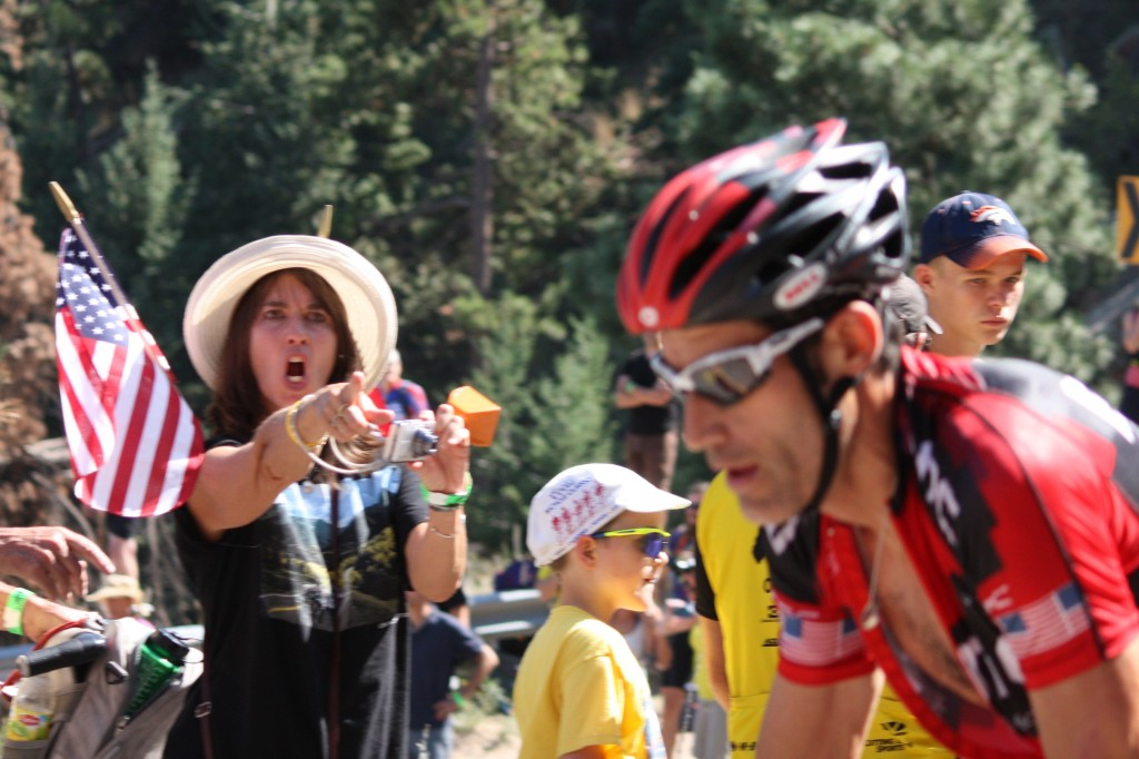 Hincapie-wows-the fans